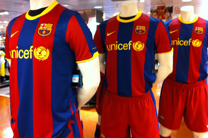 Unicef sponsoring the FC Barcelona shirt